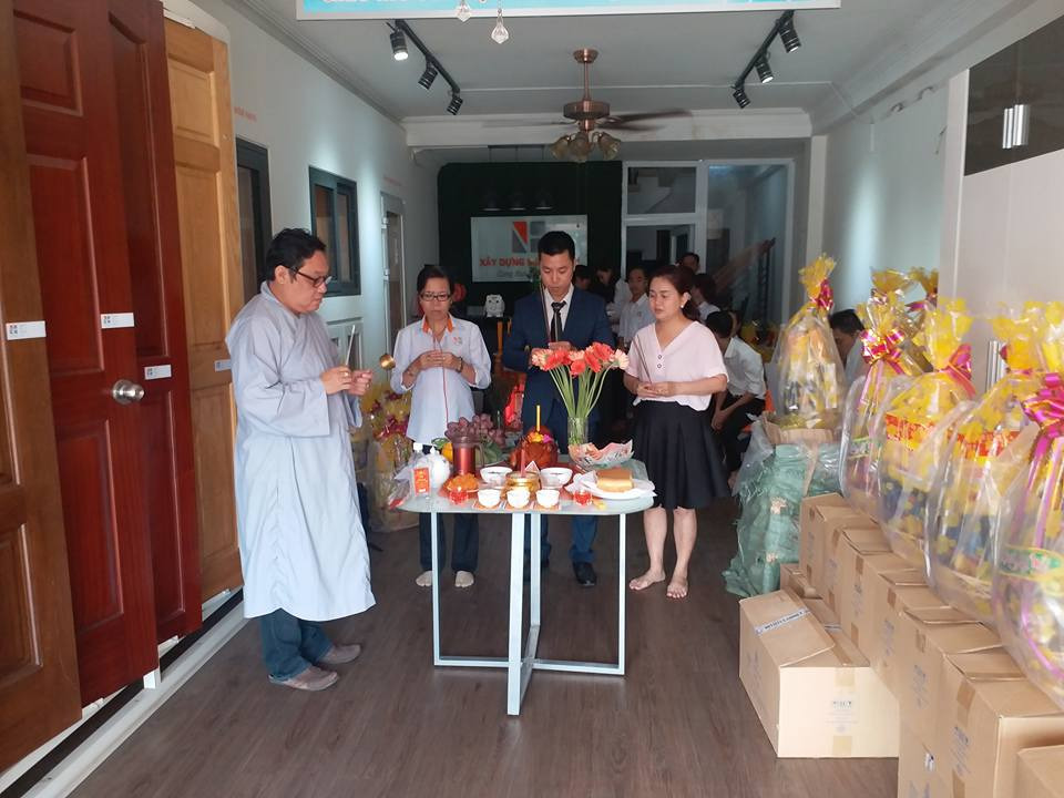 https://docungtamlinh.com.vn/wp-content/uploads/2019/12/gio-to-nganh-xay-dung.jpg