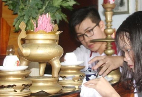 bố trí bàn thờ gia tiên